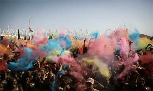 Colour Day Festival! Τί γίνεται με τα φεστιβάλ των χρωμάτων;