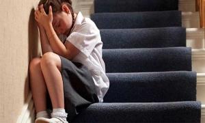 Είσαι έγκυος ανήλικη και σε πιέζουν να το βγάλεις; Ζήτα βοήθεια!