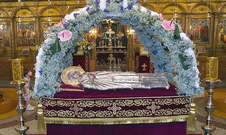 Η τιμή της Παναγίας μας και η Ακολουθία των Εγκωμίων της!